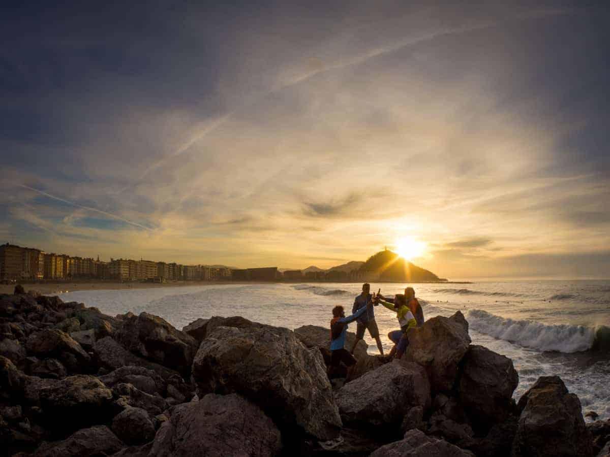Plastic Adventure: Basque Coast Bike Tour with basqueMTB